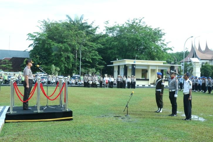 Kapolda Sumbar Brigjen Pol Drs. Basarudin SH, MH pimpin Apel Gelar Pasukan Operasi Zebra Singgalang 2016