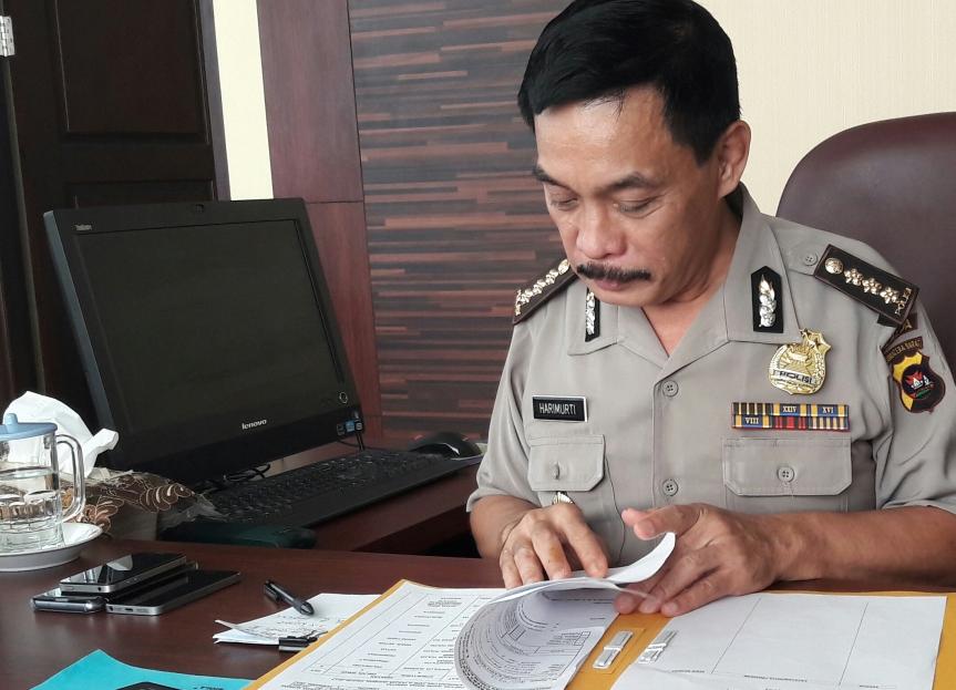 Karorena Polda Sumbar Kombes Pol Drs Hari Mukhti Sasono S;amet